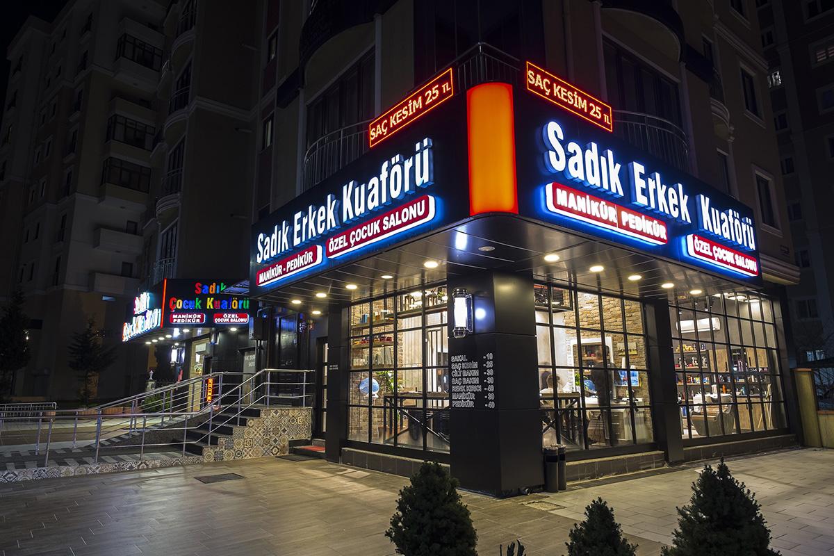 Istanbul - Sadık Erkek Kuaförü